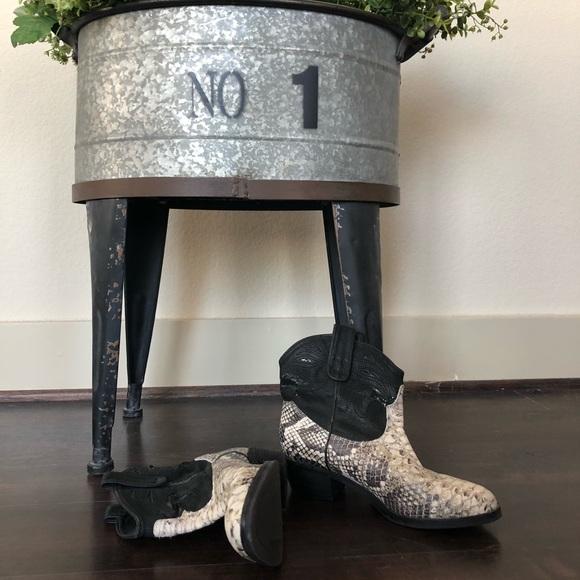 b0ac545e7a800 Sam Edelman Short Snake Stevie Cowboy boots. M 5b588e9725457a5aa37f97b2